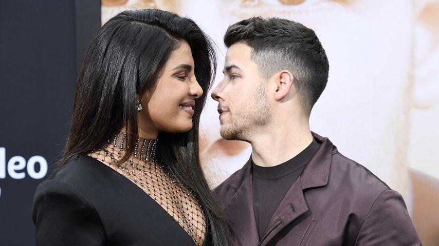 "Priyanka Chopra-Jonas und Nick Jonas bei der ""Chasing Happiness""-Premiere"