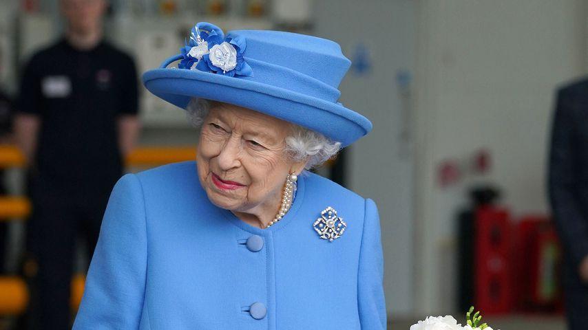 Ganz in Blau: Diese Bedeutung steckt hinter Look der Queen