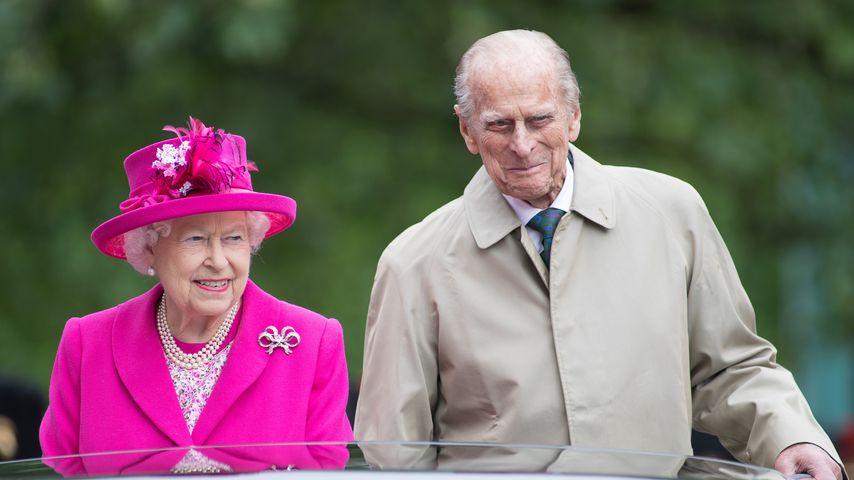 Queen Elizabeth und Prinz Philip bei einer Feier anlässlich des 90. Geburtstags der Queen