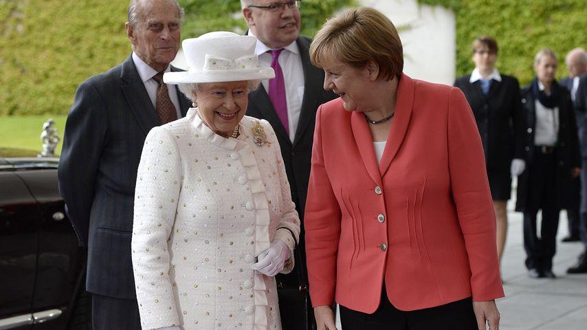 Sie lächelt! Angela Merkel empfängt die Queen