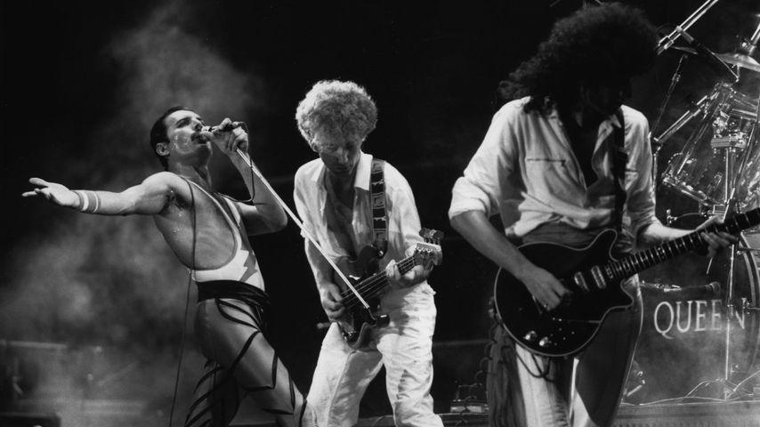 Queen bei einem Auftritt mit Freddie Mercury