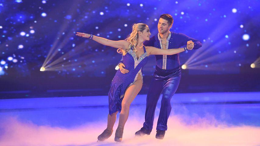 "Ramona Elsener und Joey Heindle bei der zweiten ""Dancing on Ice""-Show"