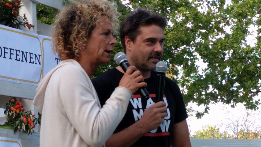 Großes Herz: Ex-GZSZ-Raphael verteilt Geschenke im Tierheim