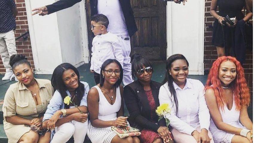 Rapper Carlos Walker mit sieben seiner elf Kinder