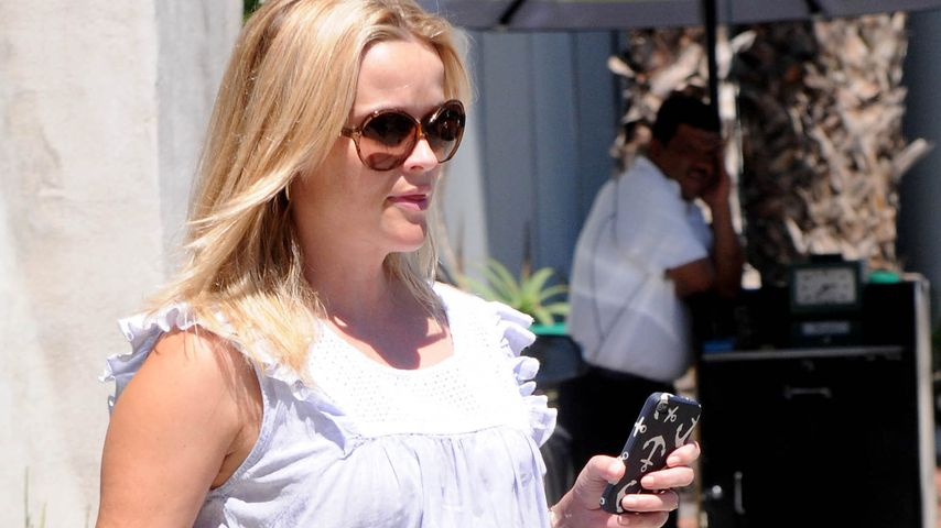 Reese Witherspoon zeigt prächtigen Baby-Bauch