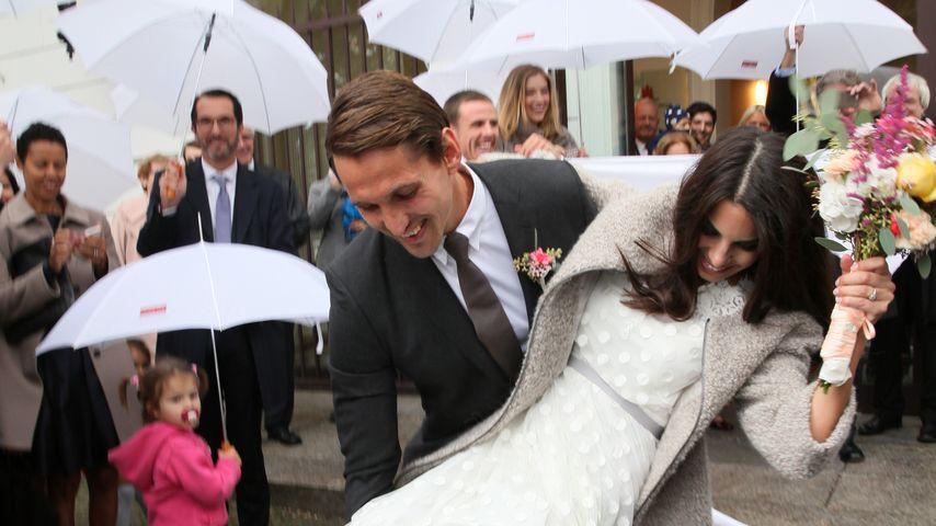 René Adler und Lili Holunder nach ihrer Hochzeitszeremonie