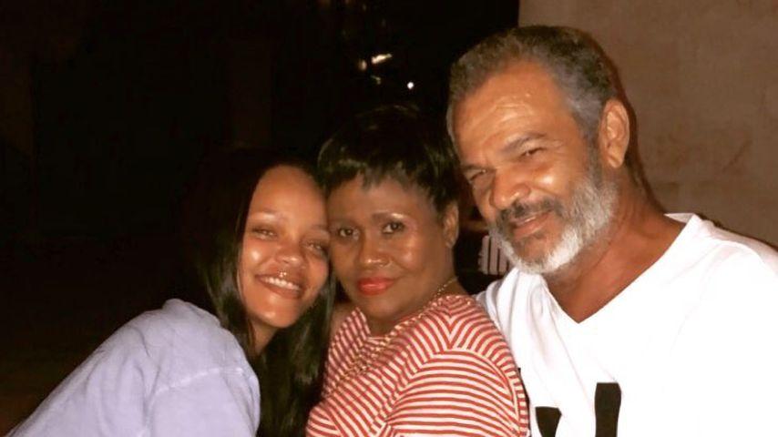 Seltener Anblick: Make-up-freie Rihanna zeigt ihre Familie!