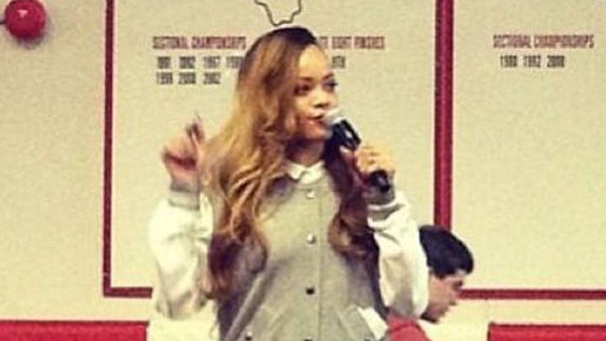 Gemein: Rihanna lässt Schüler 3 Stunden warten