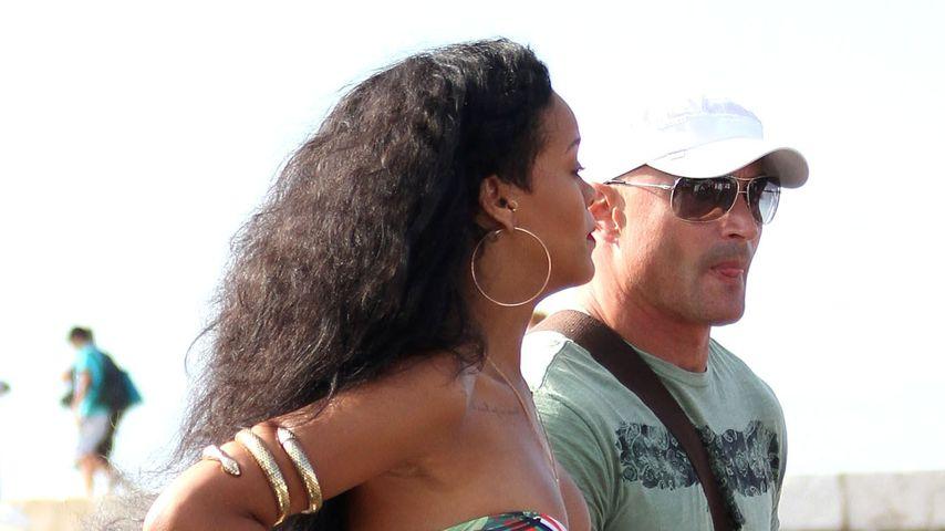 Rihannas süßer Urlaubs/Shopping/Beach-Look