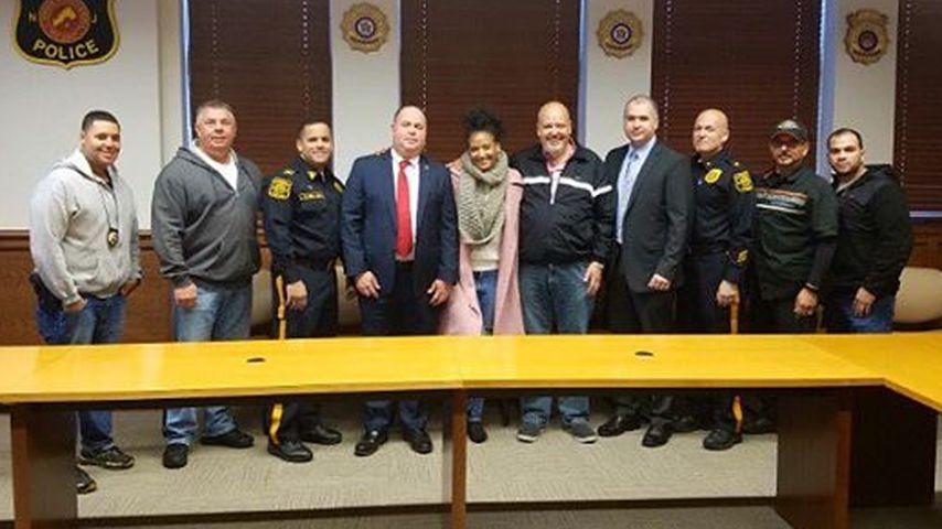 Besuch beim NYPD: Rihannas Tänzerin dankt ihren Rettern!