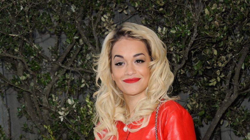 Rita Ora: Im Flop-Outfit zur Fashion Week