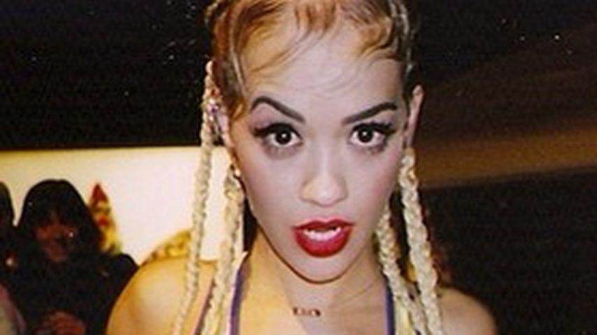 Im 2000er-Look: Rita Ora zeigt Style-Überraschung