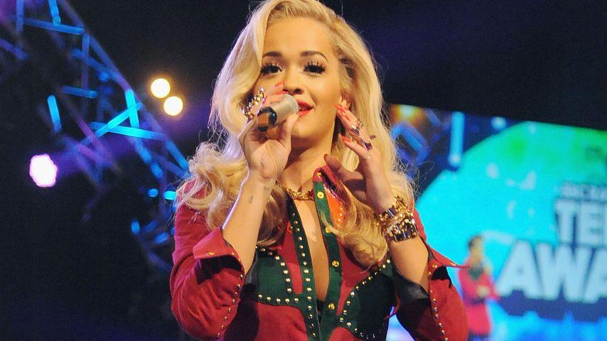 Süß! Rita Ora singt 'Happy Birthday' für einen Fan