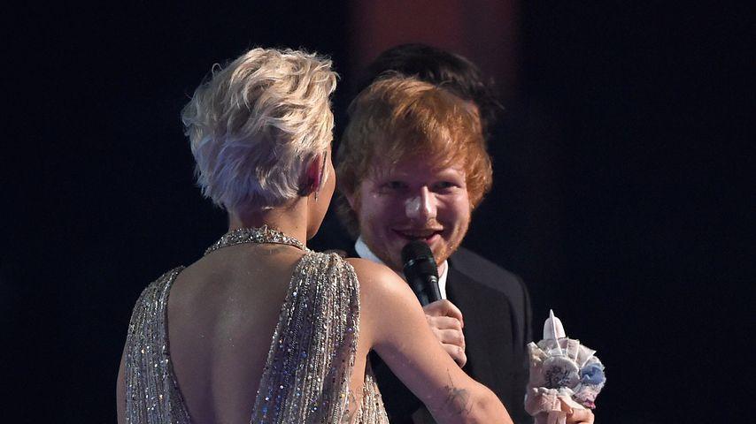 Rita Ora und Ed Sheeran bei den Brit Awards 2015