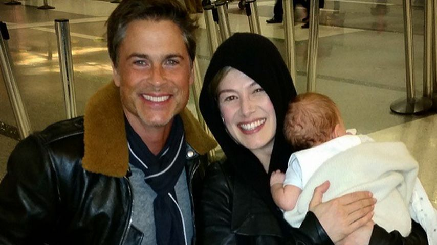 Instagram-Fail? Rob Lowe zeigt Rosamund Pikes Baby