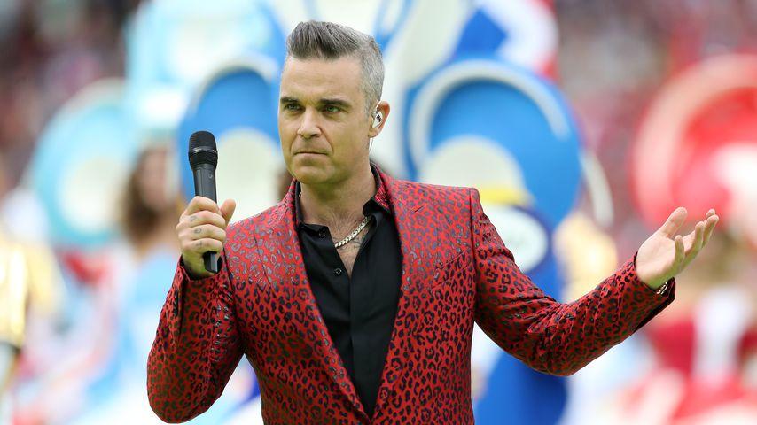 Eklat bei WM-Eröffnung: Robbie Williams zeigt Stinkefinger!