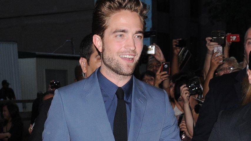 Tapfer! Rob Pattinson sexy auf Cosmopolis-Premiere