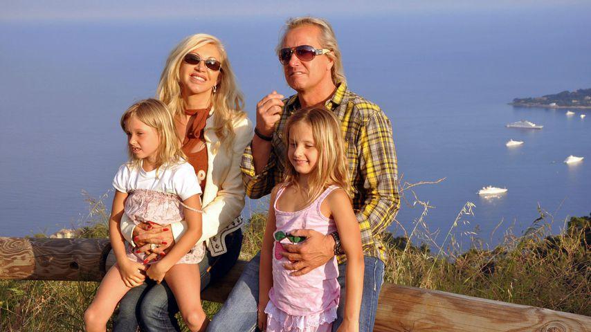 Robert und Carmen Geiss mit ihren Töchtern Davina und Shania in Monaco 2011