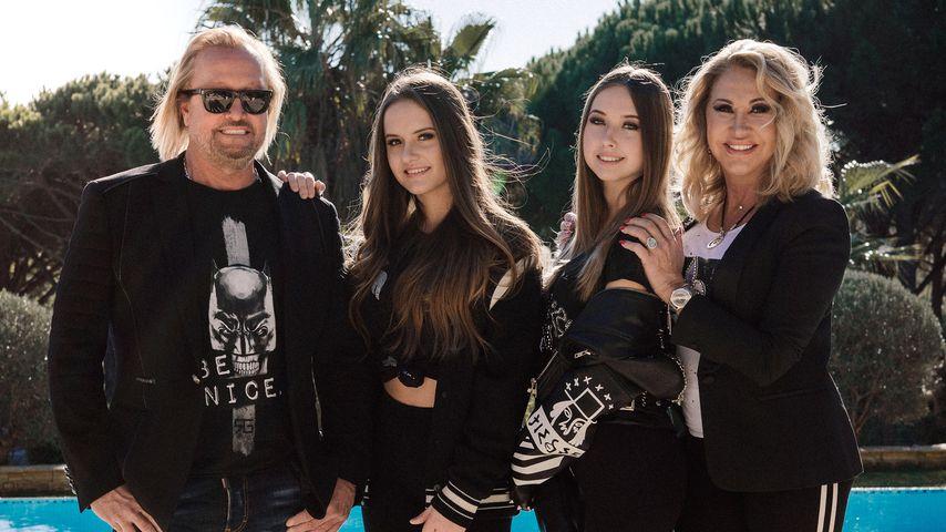 Robert und Carmen Geiss mit ihren Töchtern Davina und Shania