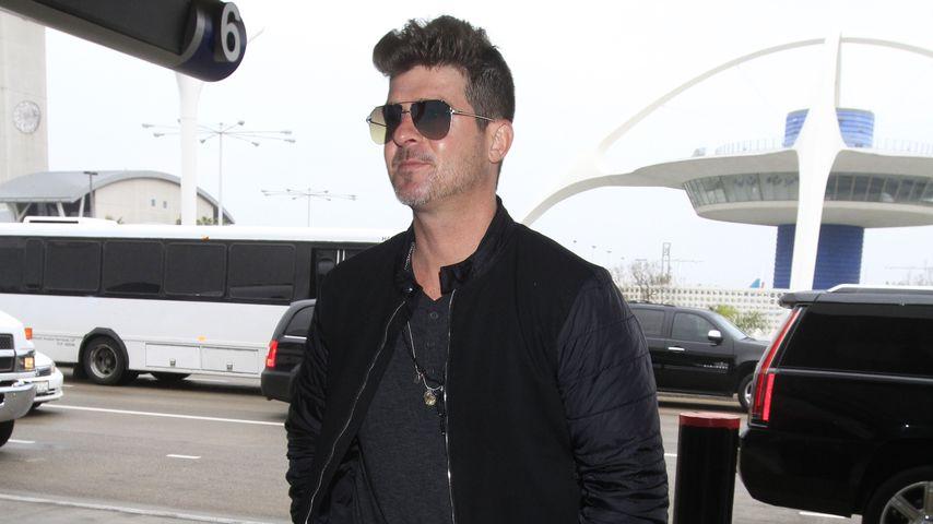Robin Thicke am Flughafen Los Angeles