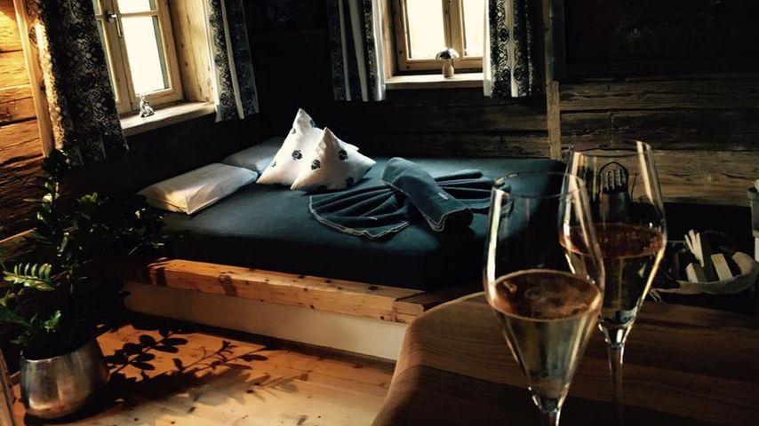 Rocco Starks Hotelzimmer im Chaletdorf Auszeit