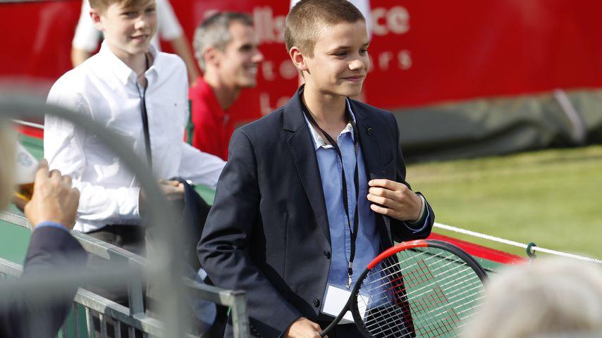 Romeo Beckham auf dem Tennisplatz