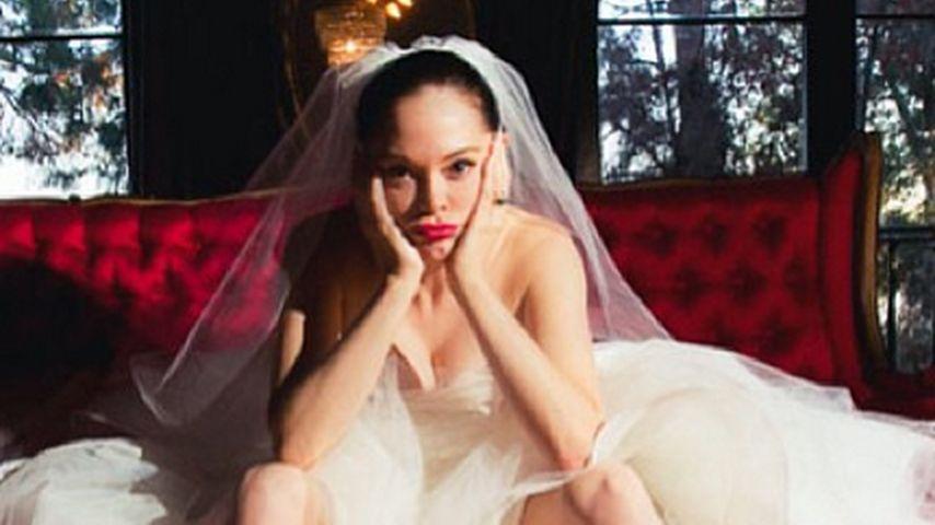 Schmollend: Rose McGowan als Anti-Braut!