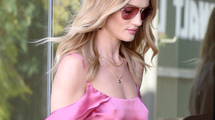 Rosie Huntington-Whiteley beim Verlassen ihres Büros in West Hollywood