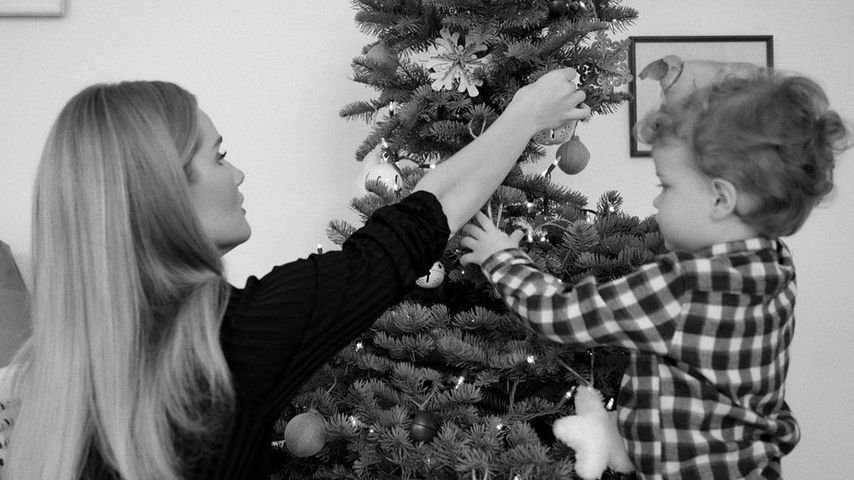 Rosie Huntington-Whiteley und ihr Sohn Jack, Dezember 2019