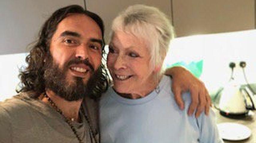 Nach Horror-Crash: Russell Brand postet erstes Pic mit Mama