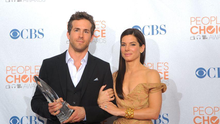 Ryan Reynolds und Sandra Bullock im Januar 2010 in Los Angeles
