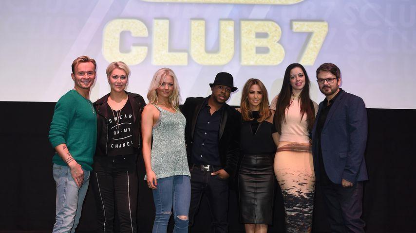 S Club 7 bei einer Pressekonferenz in London