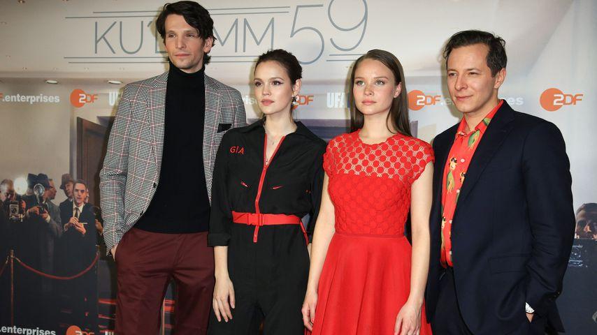"""Sabin Tambrea, Emilia Schüle, Sonja Gerhardt und Trystan Püttner bei der """"Ku'damm 59""""-Premiere 2018"""