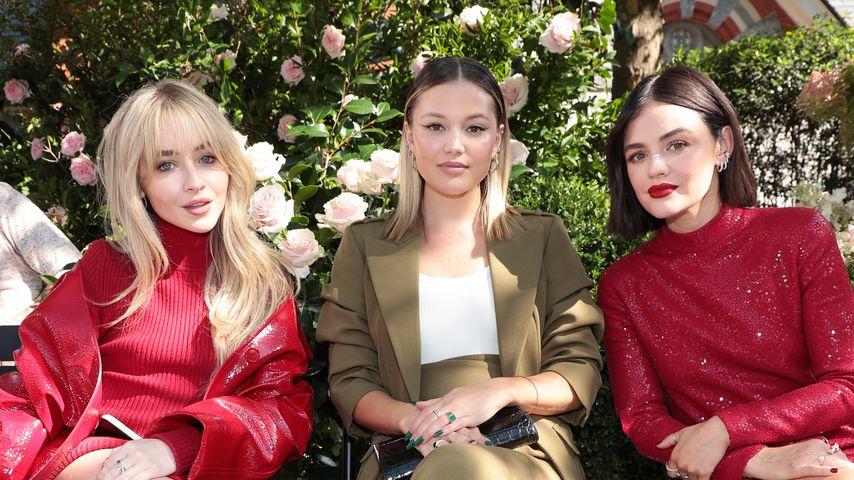 Sabrina Carpenter, Olivia Holt und Lucy Hale bei der Michael-Kors-Fashionshow 2021