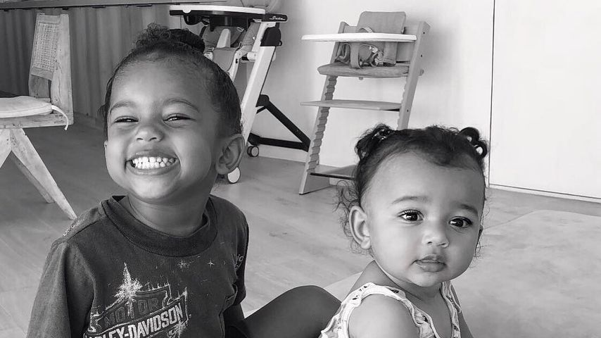 Zum Knuddeln: Sainti & Chicago verzücken Mama Kim Kardashian