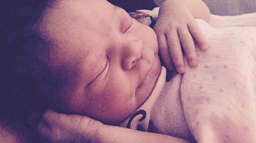 Baby-Glück! Samantha Mumbas Tochter Sage ist da