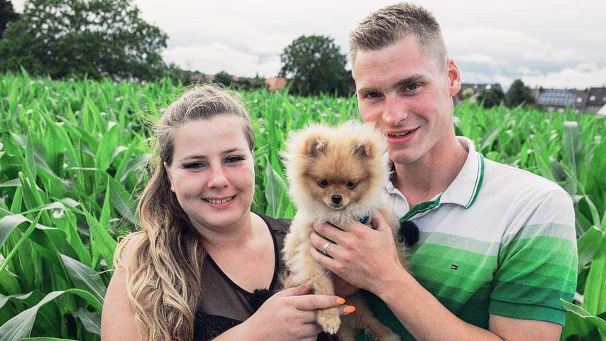 Sarafina Wollny und Peter Heck mit ihrem Hund Feivel
