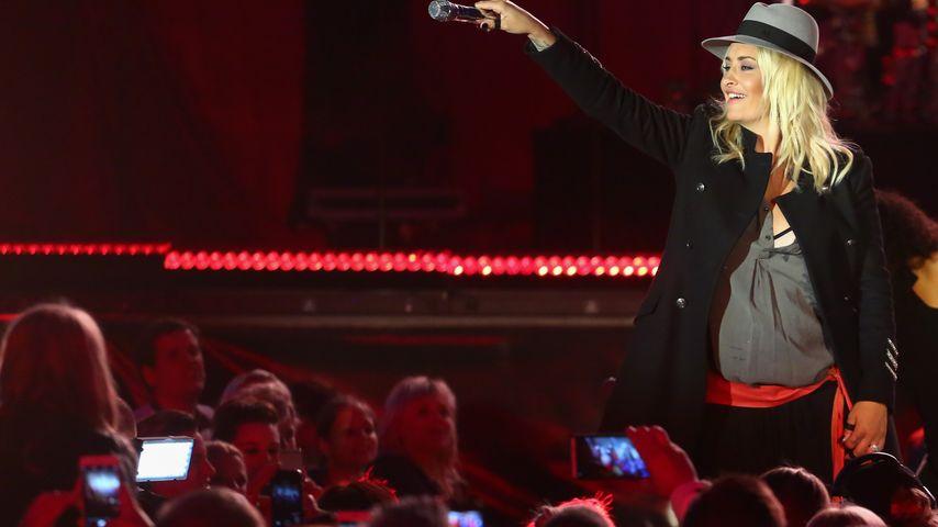 Sarah Connor während ihrer vierten Schwangerschaft bei einem Konzert in Dresden