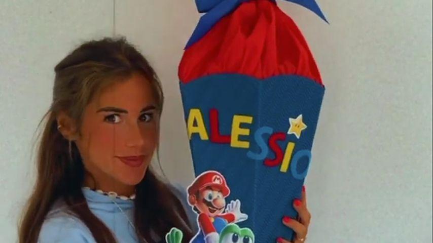 Sarah Engels mit Alessios Schultüte
