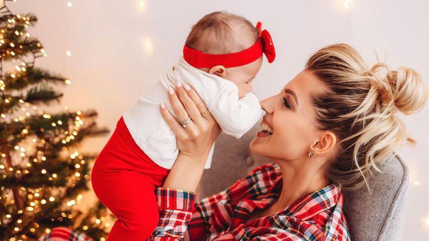 Sarah Harrison mit Baby Kyla
