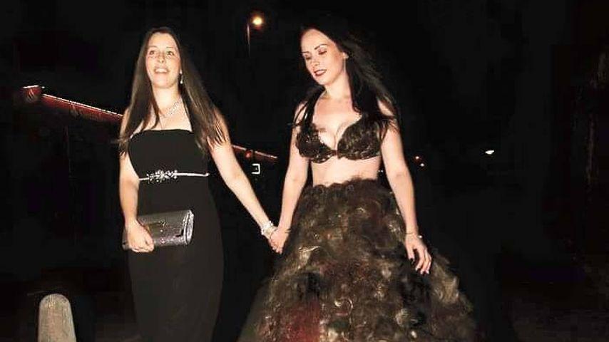 Sarah Louise Bryan mit einer Freundin