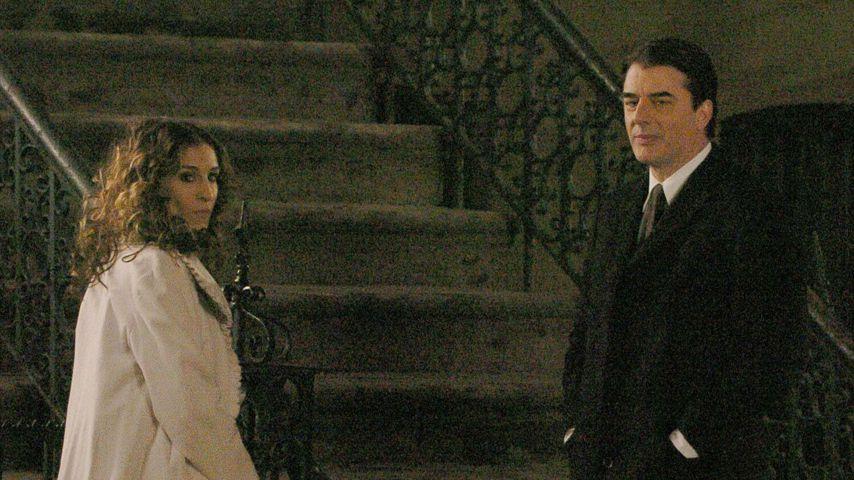 """Sarah Jessica Parker als """"Carrie"""" und Chris Noth als """"Mr. Big"""" 2004 bei SATC-Dreharbeiten"""