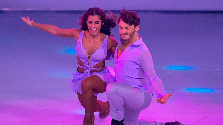 "Sarah Lombardi und Joti Polizoakis bei ""Dancing on Ice"" 2019"