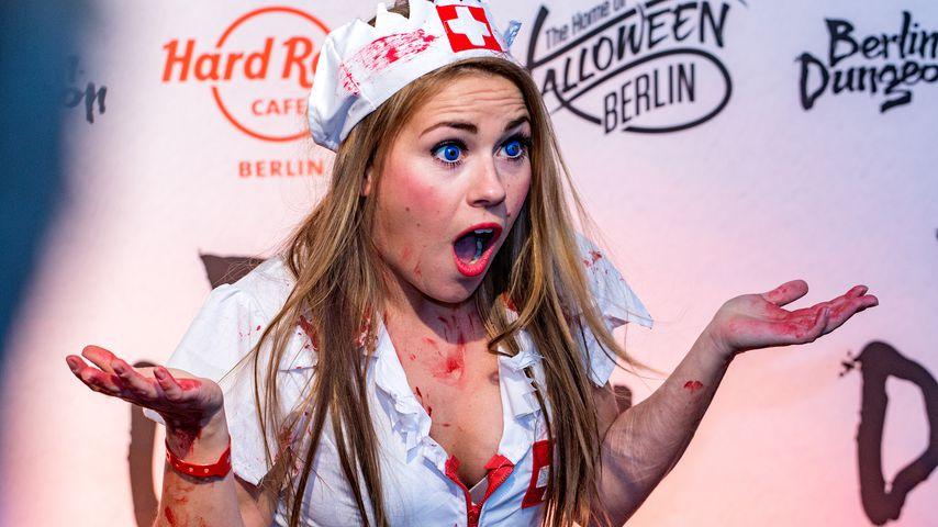 Sarah Tkotsch bei einer Halloweenparty 2015