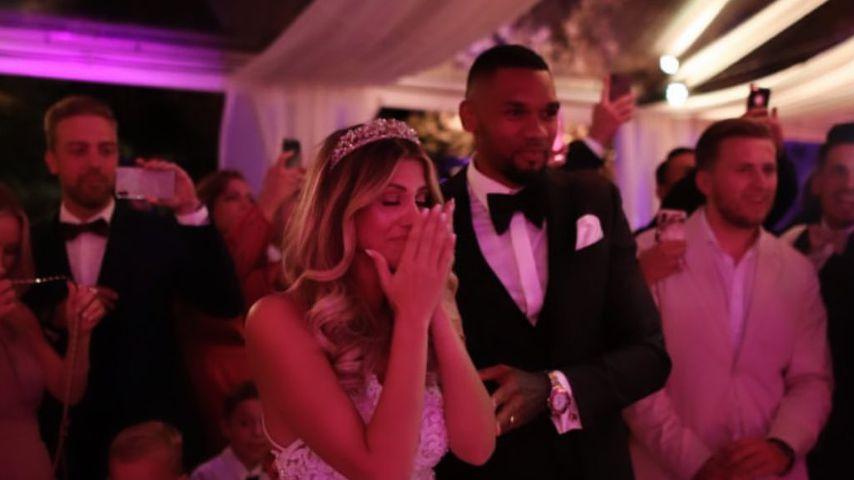 Sarah und Dominic Harrison auf ihrer Hochzeit 2019