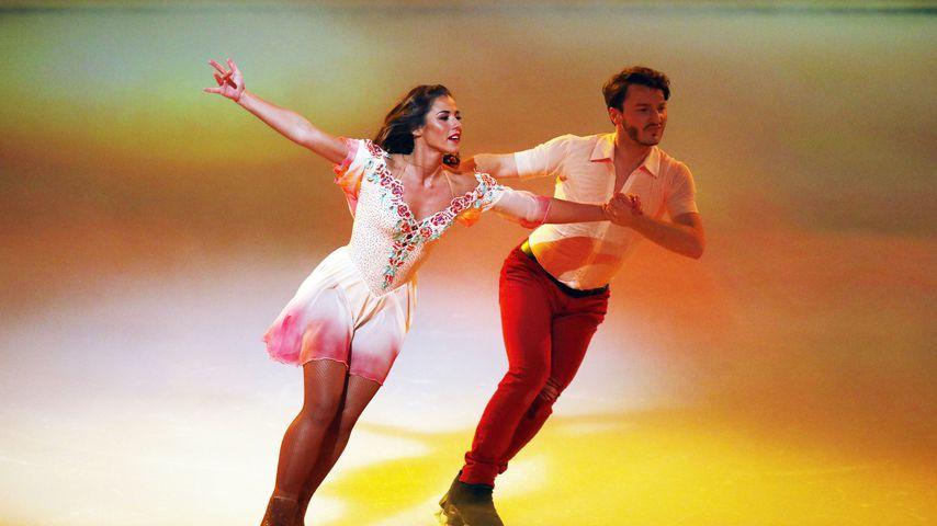"Sarah Lombardi und Joti Polizoakis bei ihrer ""Dancing on Ice""-Performance"
