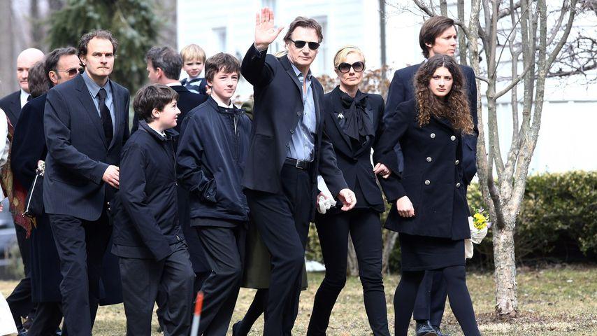 Liam Neeson, Schauspieler mit seinen Söhnen Micheál und Daniel