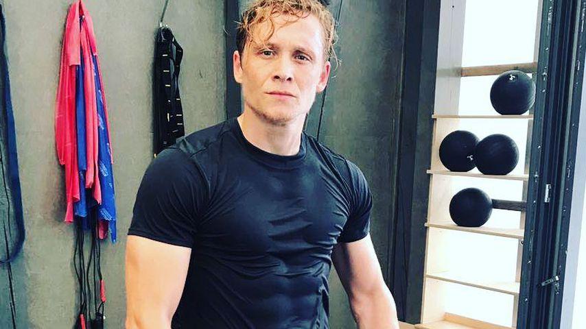 Wet T-Shirt: Matthias Schweighöfer im sexy Sixpack-Look!