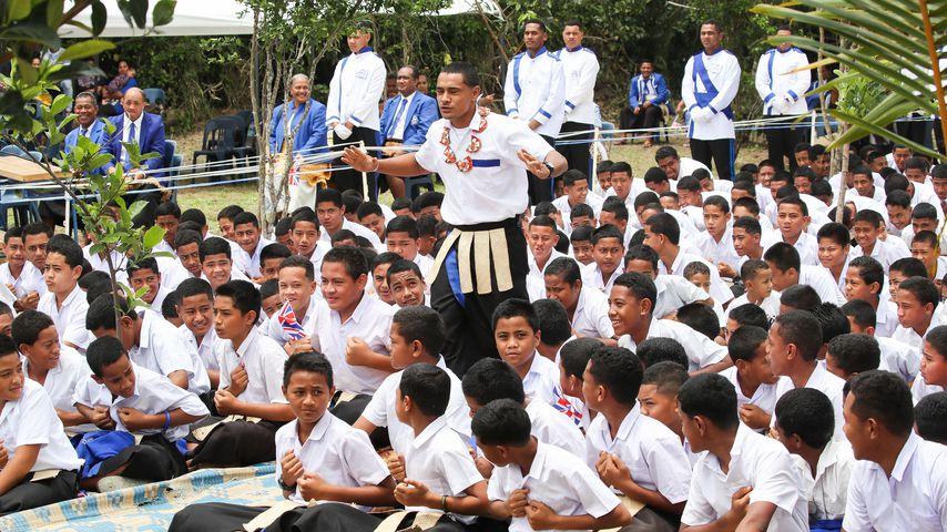 Schulchor in Nuku'alofa, Tonga beim Besuch von Prinz Harry und Herzogin Meghan