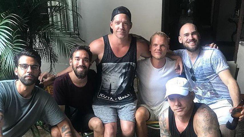 Sean Eriksson (li.), Avicii (mi.) und Freunde in Peru